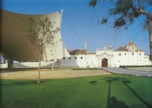 Carpa instalada con motivo de la Inauguración de la Exposición de Sevilla.