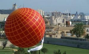 Fotografía Archivo Expo'92 digitalizada para la Exposición 2.0 durante el 20 Aniversario de Expo'92 (Pabellon de la Navegación).
