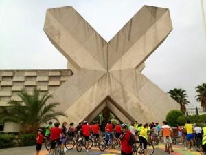 Cicloexpo llevó las bicicletas al corazón de la Cartuja. En la imagen, junto al Pabellón de México.