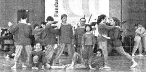 El Psico-Ballet de Maite León amenizó las intervenciones en el Palenque en el día de Honor de la Once (Fotografía A.Doblado - ABC).