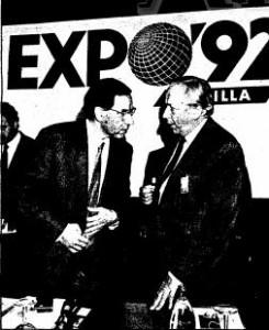 El Vicepresidente del Gobierno Alfonso Guerra y el Comisario de la Expo'92 a la finalización de la reunión de participantes.