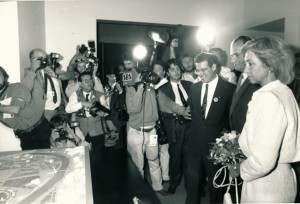 Los Reyes visitan la maqueta del proyecto de la Expo'92.