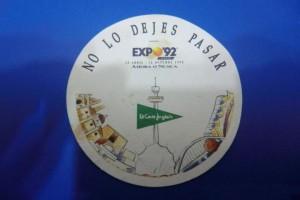 Chapa conmemorativa de El Corte Inglés en Expo'92