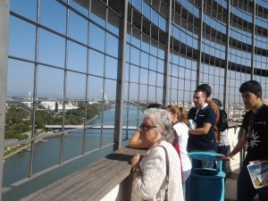 Desde la Torre Schindler los visitantes visualizaron toda la Isla de la Cartuja y Sevilla.