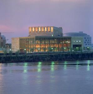 Teatro Central (Fotografía Arquitectos Ayala).
