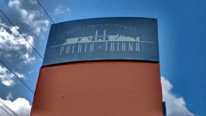 Cartelería utilizada en la época del complejo de ocio Puerta Triana.
