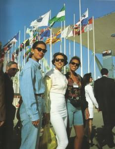 Visitantes en la jornada inaugural de la Expo 92.