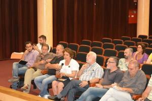 Ciudadanos anónimos, concejales y colectivos ciudadanos en la reunión organizada por Legado Expo.