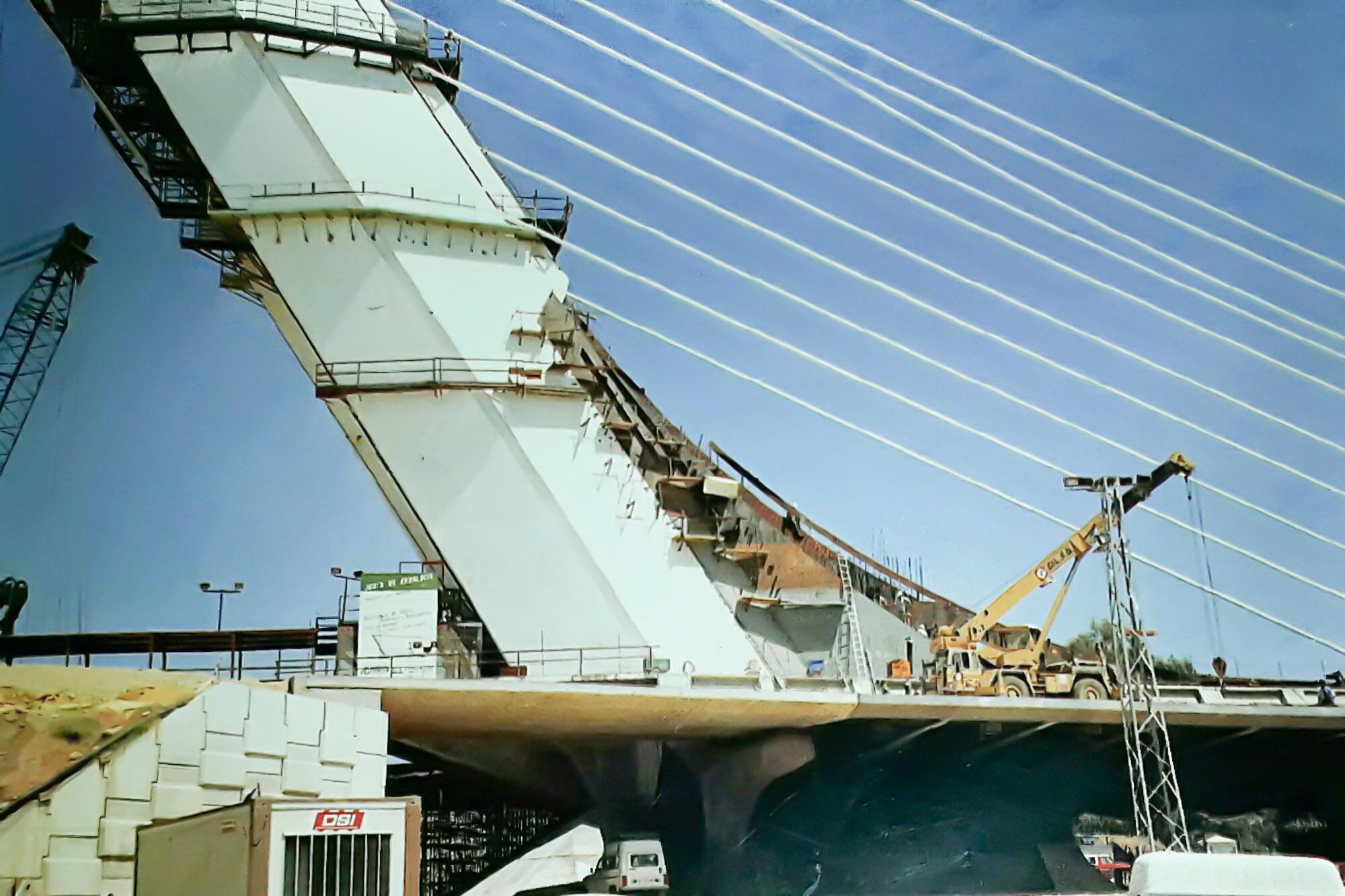 Se inaugura el puente del alamillo asociaci n legado - Empresas de construccion en sevilla ...